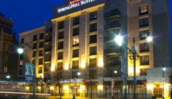 SpringHill Suites Memphis Downtown is convenient to the trolley line, fine dining and attractions. Photo by Baxter Buck.